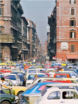 (Traffic clogging the streets of Rome. Photo by AntyDiluvian)